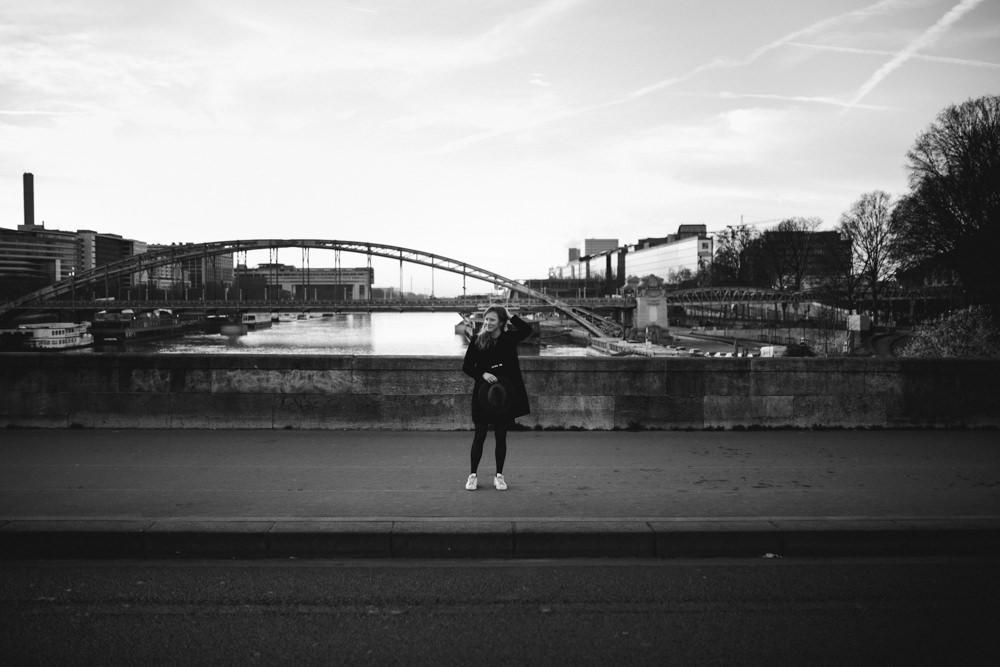 La future mariée sur le pont d'Austerlitz
