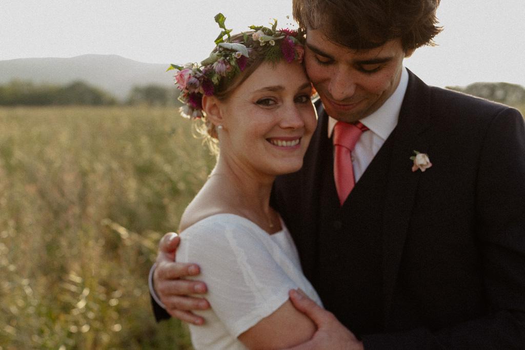 Séance couple à la golden hour en Drôme Provençale