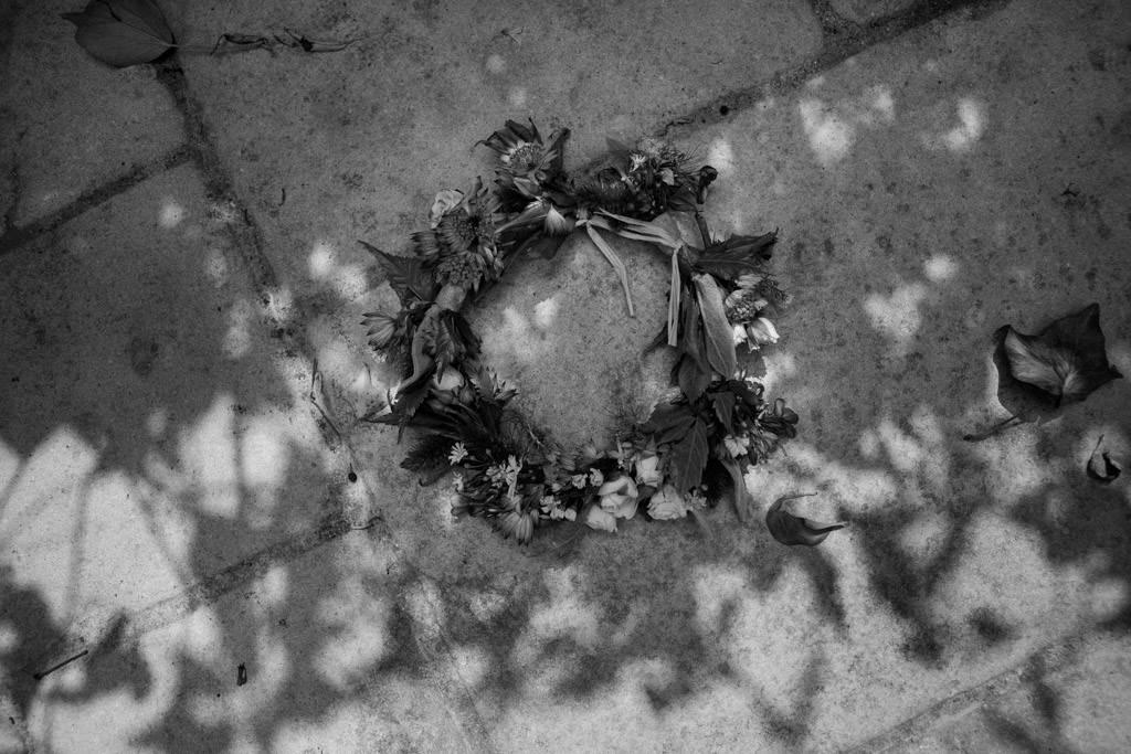 La couronne de fleurs de la mariée