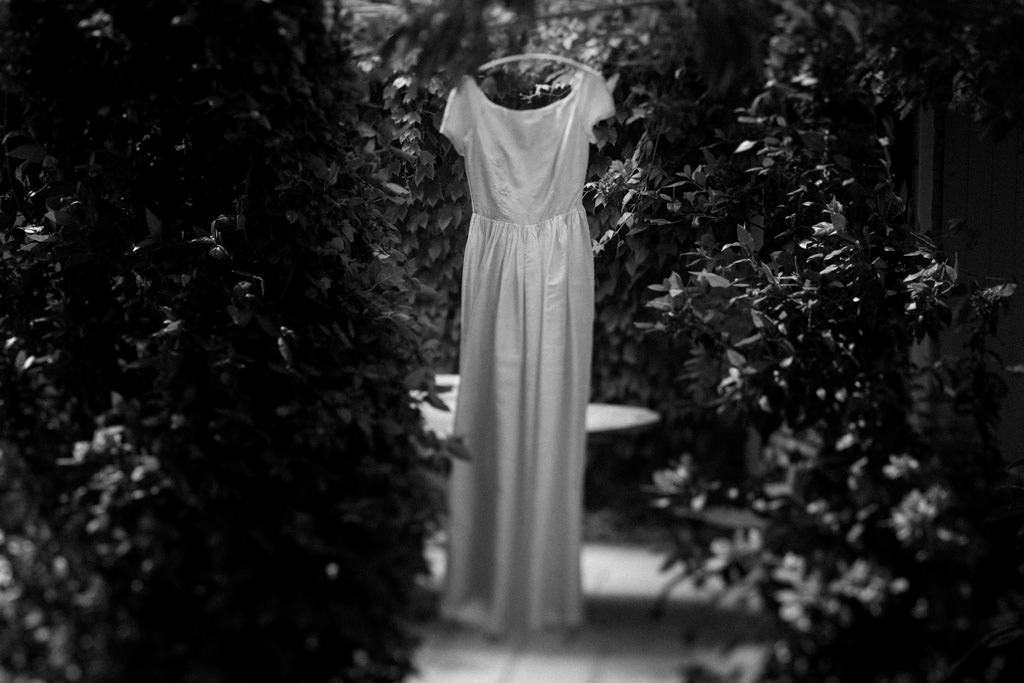 La mariée portait la robe de sa mère pour sa cérémonie laïque