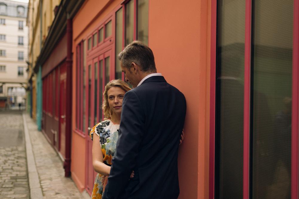 Lieu insolite et secret pour une séance couple à Paris au printemps