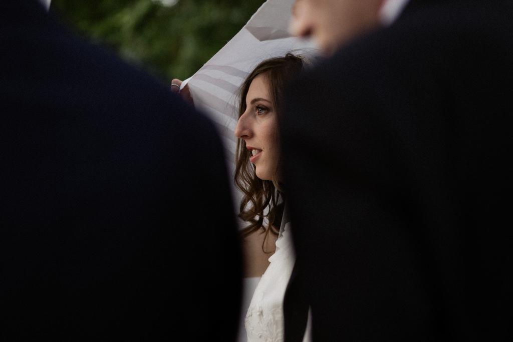 Bénédiction des mariés par le rabbin sous la houppa