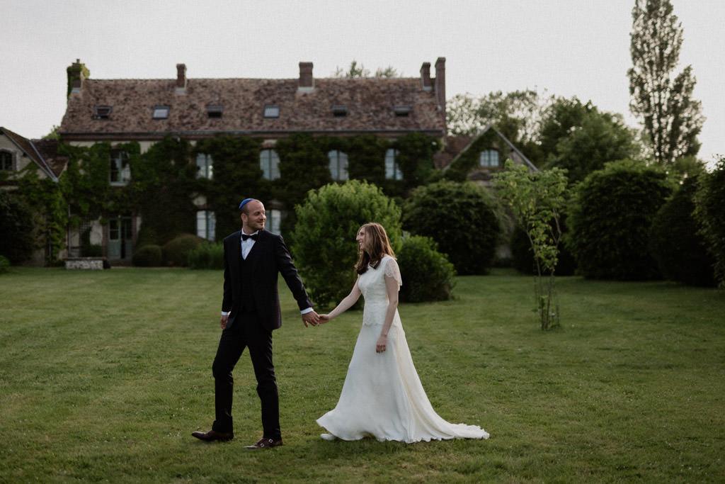 Séance couple des mariés au Manoir des Prévanches, Eure