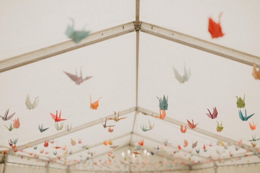 Les mille grues diy faites à la main pour décorer la tente dans le jardin